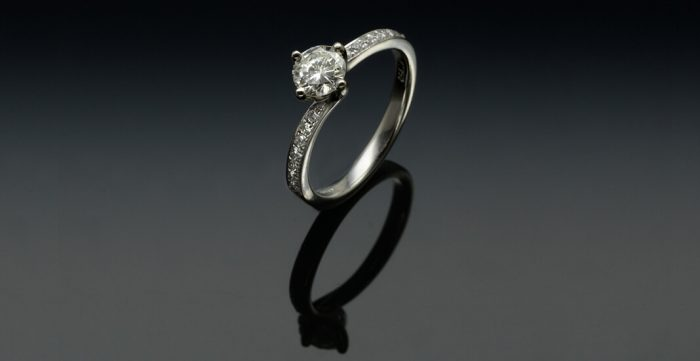 cushion cut classic engagement rings