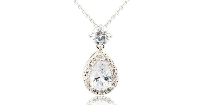 diamond-halo-necklace