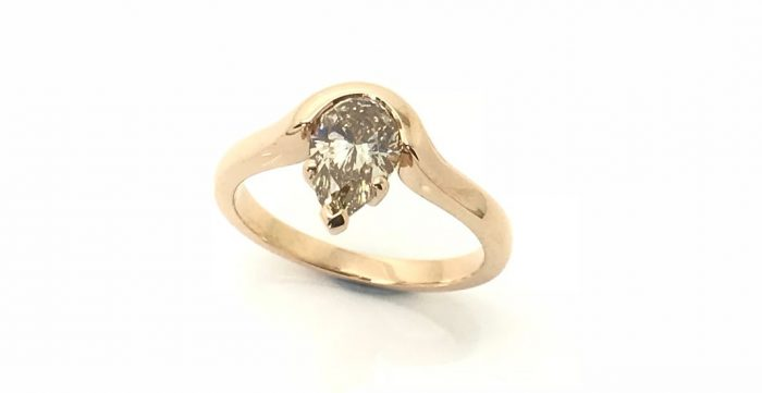 pear-shaped-diamond-ring